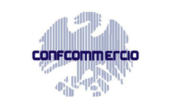 Confcommercio: la ripresa consumi a marzo è solo un