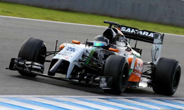Force India beve vodka Smirnoff